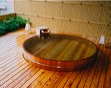 丸型木の風呂旅館